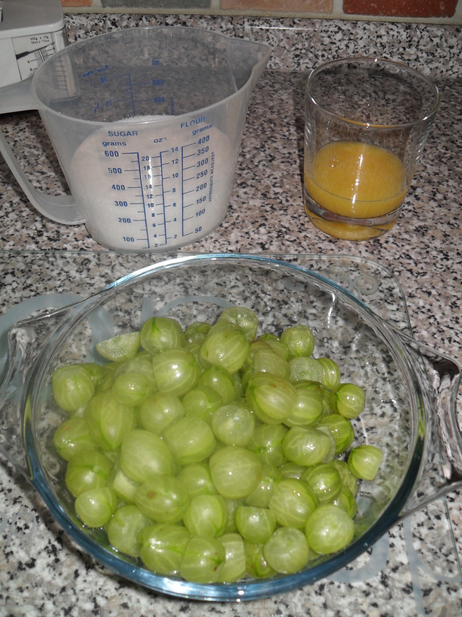 Few ingredients are in this jam -- just gooseberries, sugar, juice, and water.
