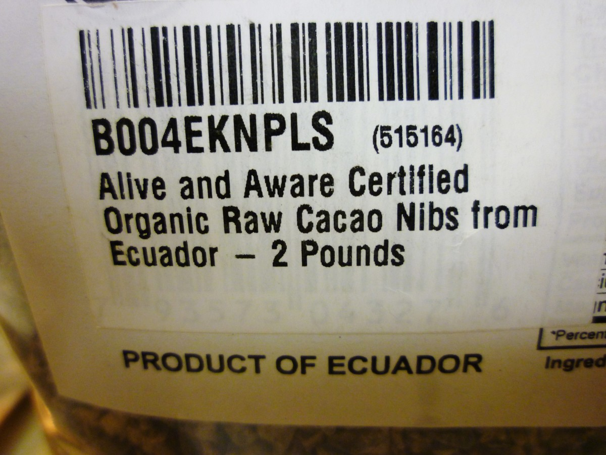 Package of cacao nibs
