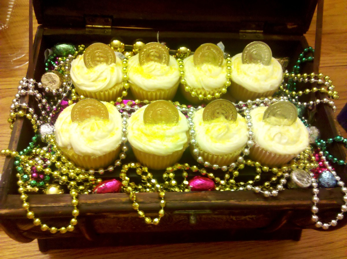 Our finished treasure chest cupcakes.