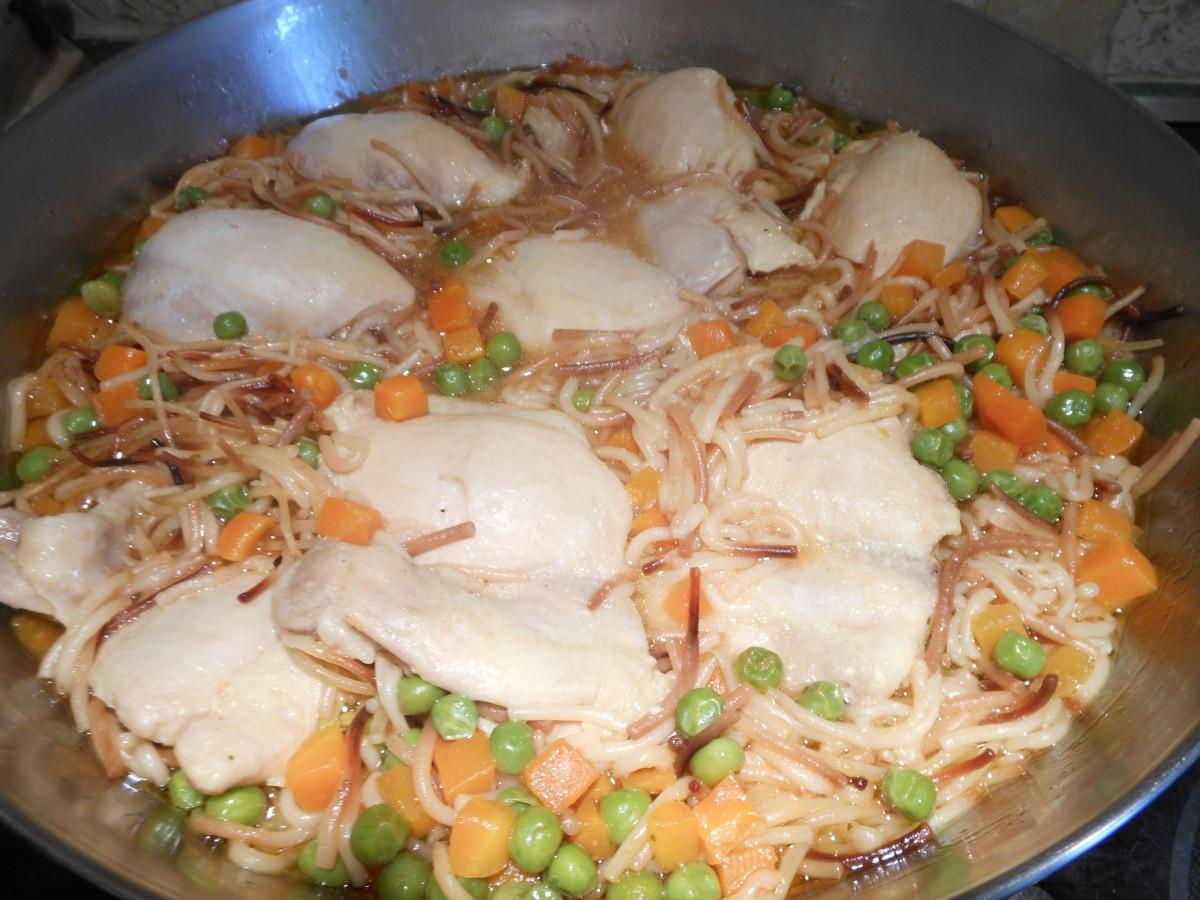 Fideo con Pollo / Vermicelli and Chicken
