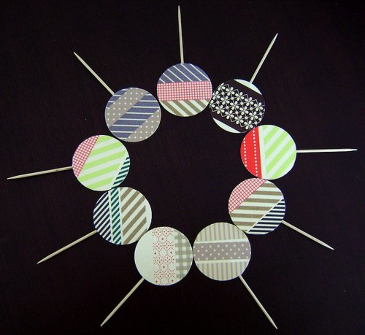 Do you enjoy using washi tape?  It's a great material for cupcake toppers.