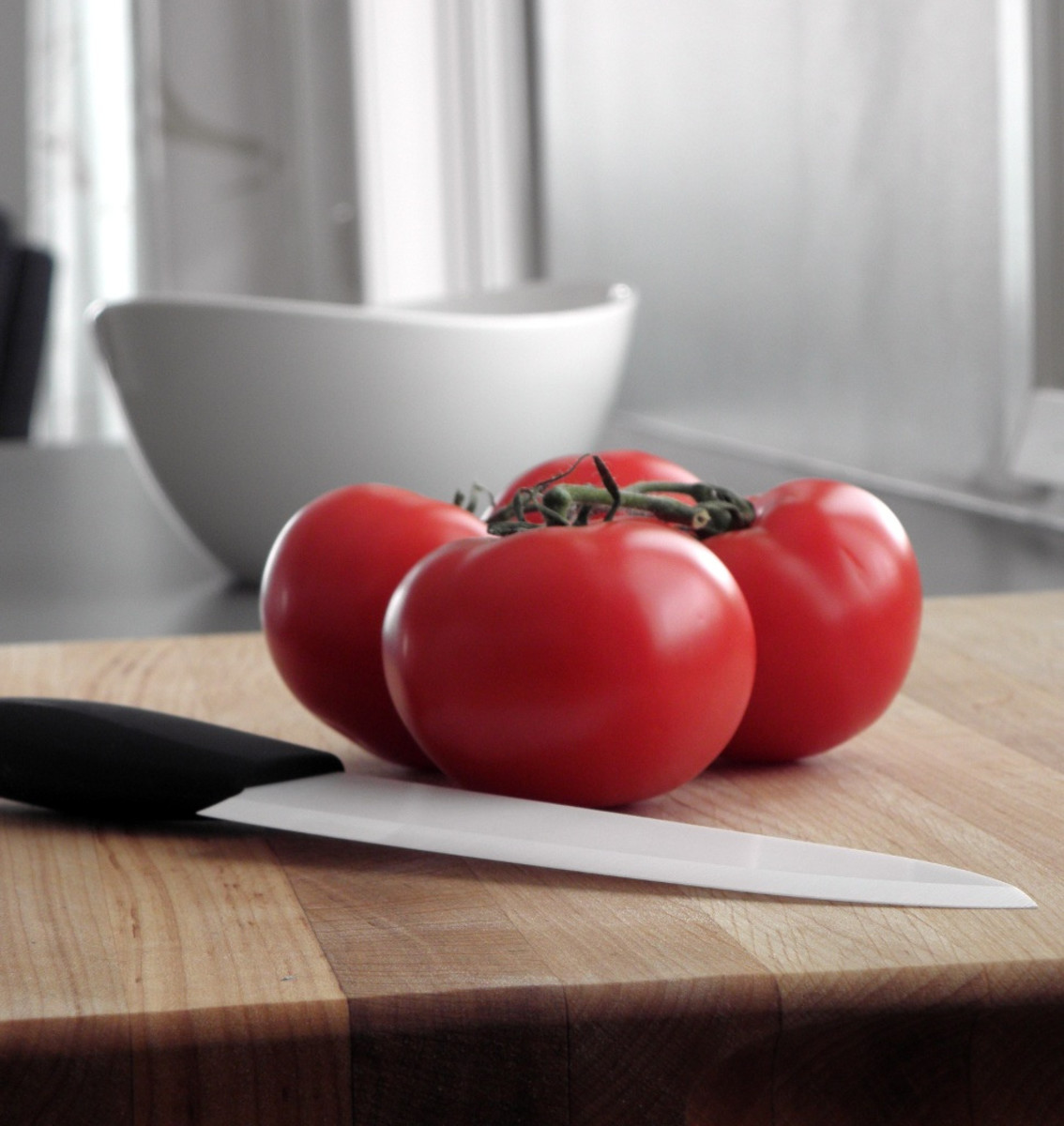 Ceramic knives are the best knife to cut fruits, vegetables, fish, and boneless meats.
