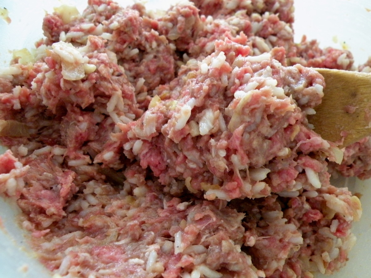 Add eggs, salt, pepper and paprika to beef mixture and mix well.