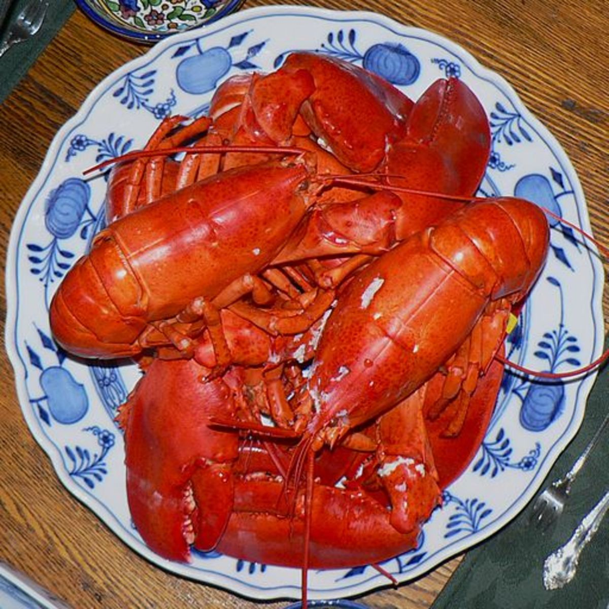 How to Shell a Whole Maine Lobster