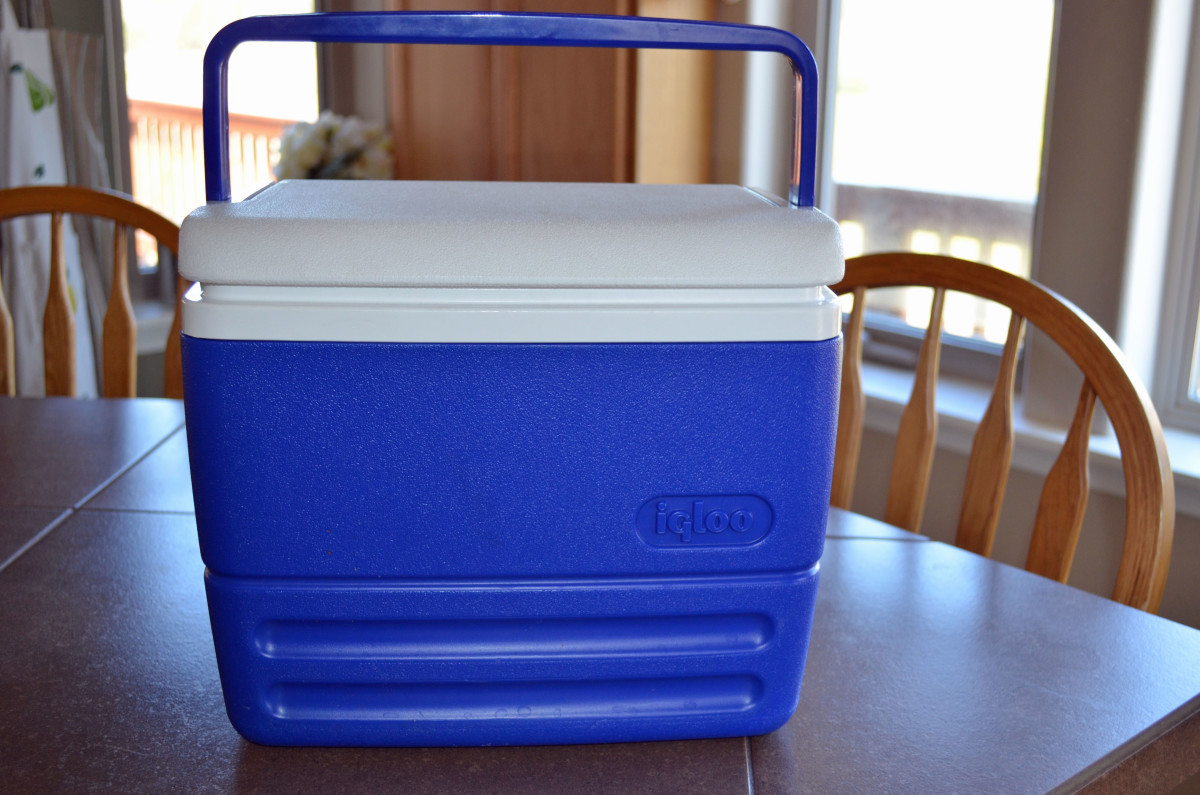 Use whatever size cooler works for how many pieces of corn you want to cook.  I cooked 8 in this small one.