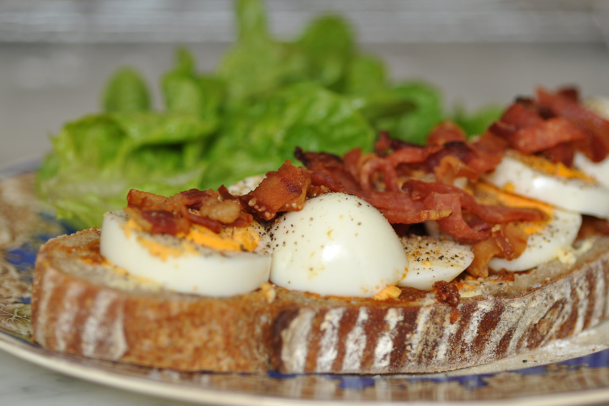 The freshly baked 95% hydration sourdough made a great sandwich with hard-boiled eggs, crisp bits of dry-cured bacon, lettuce from my neighbour's farm, harissa, whipped butter, a sprinkle of Persian blue salt and freshly ground black pepper. Image: ©
