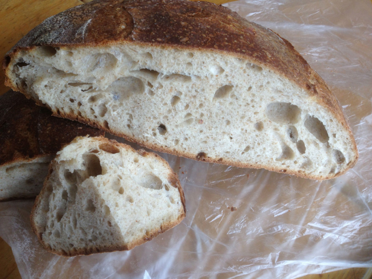 One of 2 loaves I baked for a friend. Tried out the 8 point structural shaping method in Dan Lepard's book. Don't think I did it particularly well. Image: © Francoise Garnier
