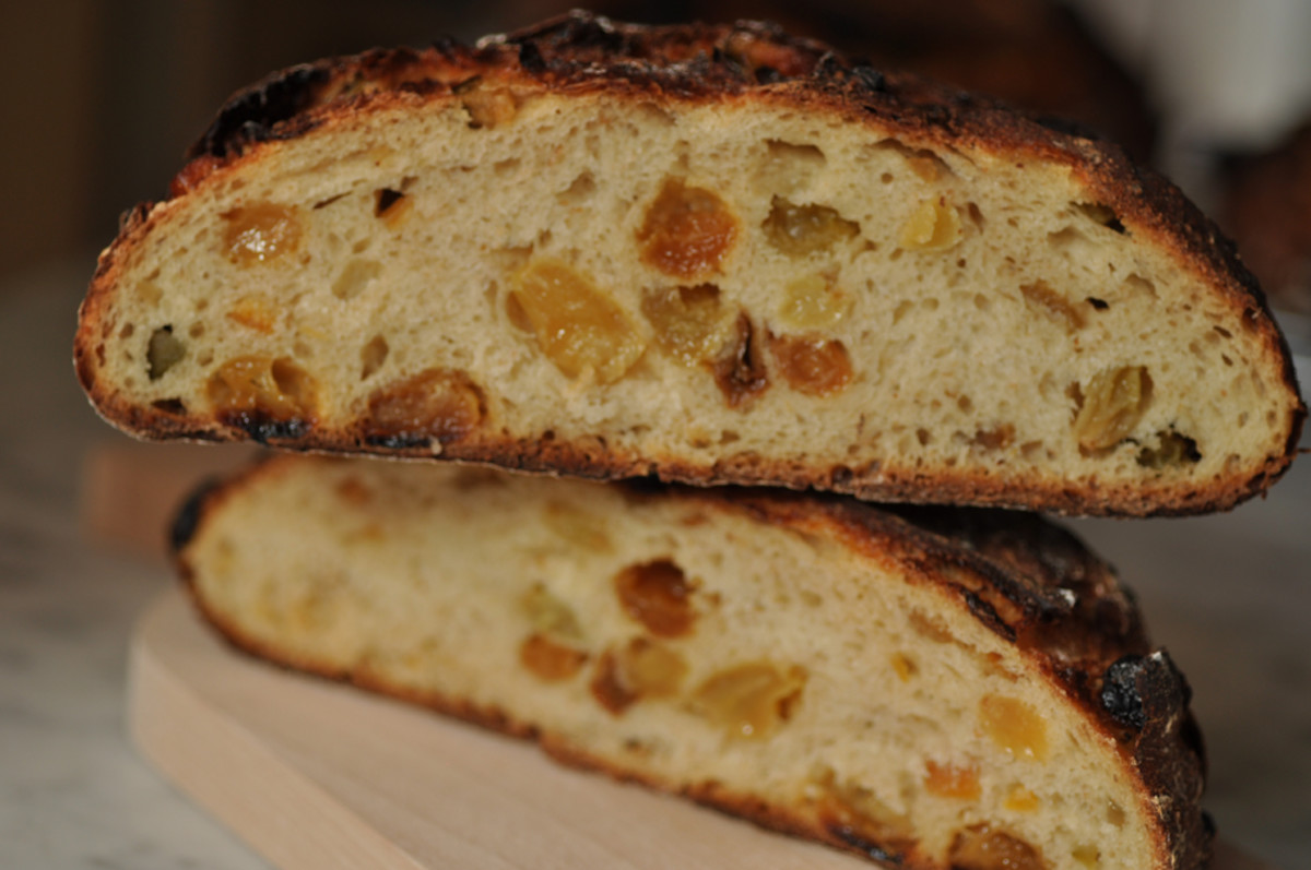 My fruit loaf now has 45% semola, 45% baker's flour, 10% rye. I like the flavour better. Image: © Siu Ling Hui
