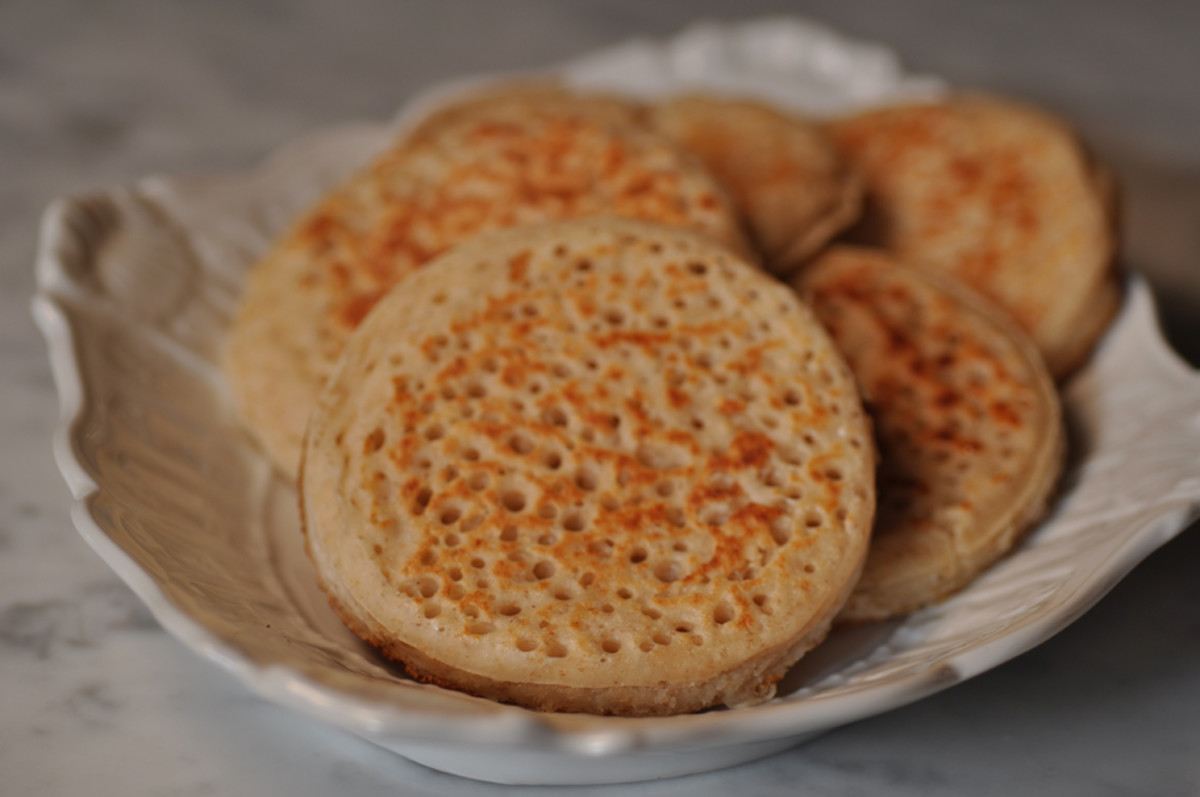 Crumpets made with spent sourdough starter. Image: © Siu Ling Hui