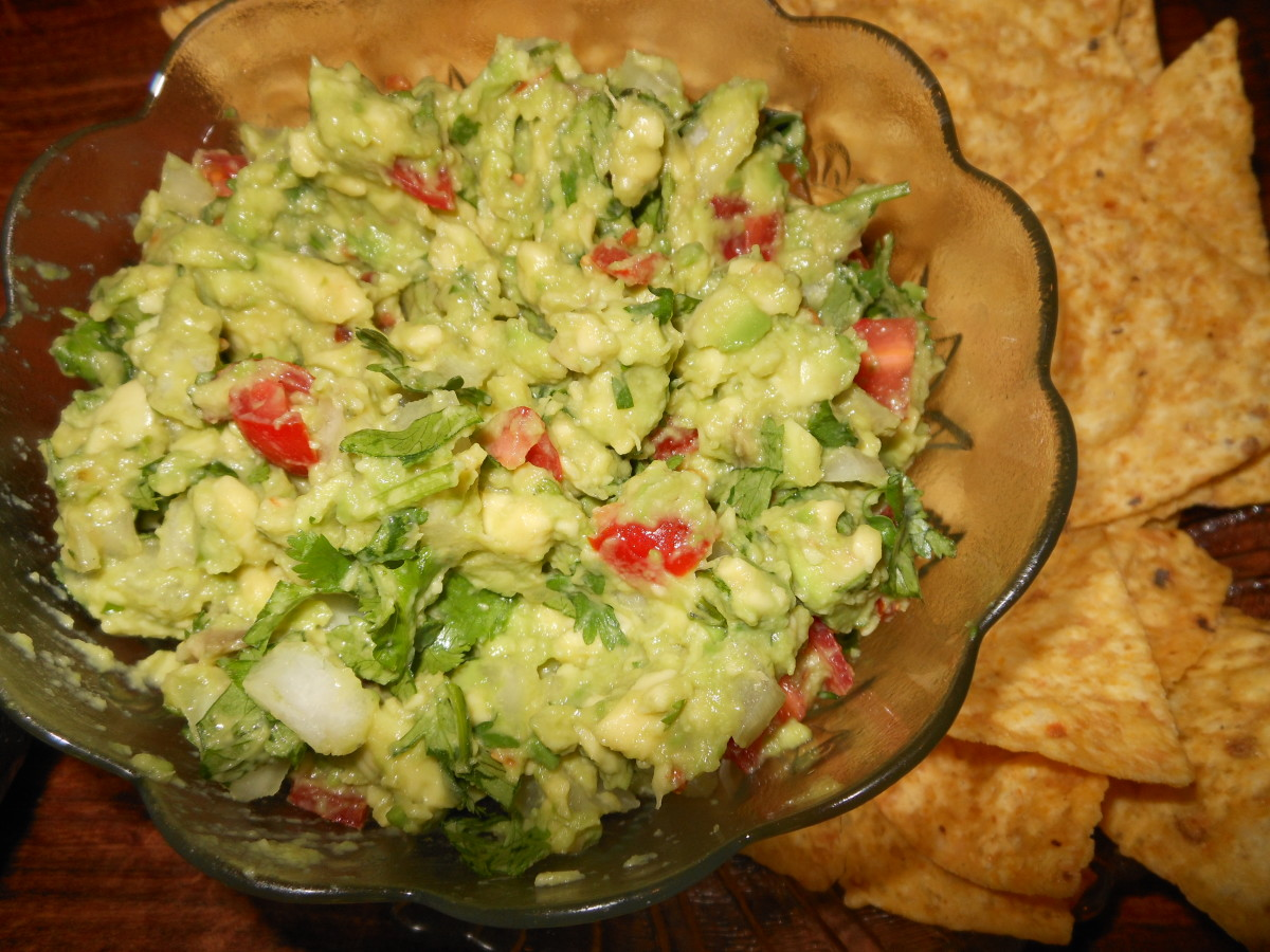 Guacamole A La Mexicana includes: avocado, onion, cilantro, tomato, lime juice, salt and garlic powder.