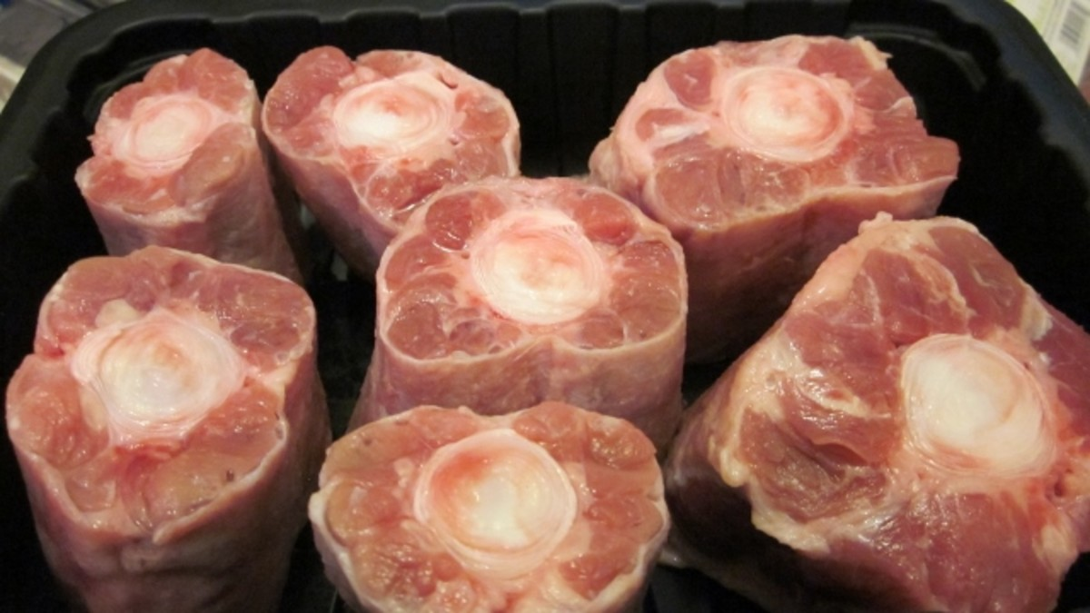 Oxtails should be fresh, uniform in size, and fat-trimmed.