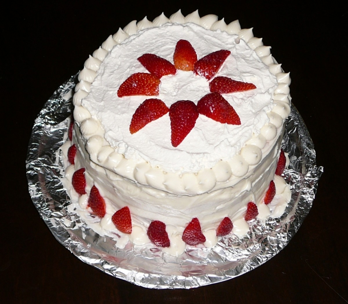 fresh-strawberry-cake-with-cream-cheese-frosting