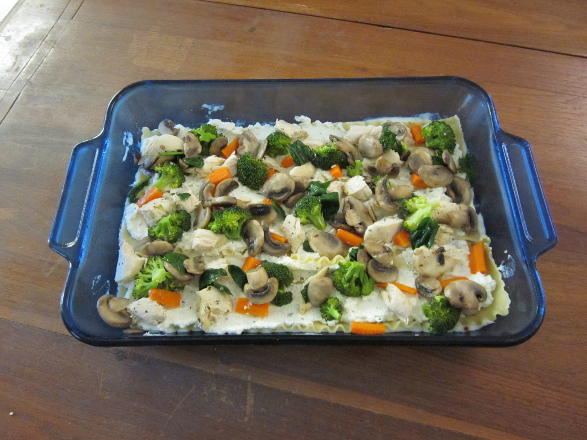 Layering the lasagna #3: chicken and vegetables.