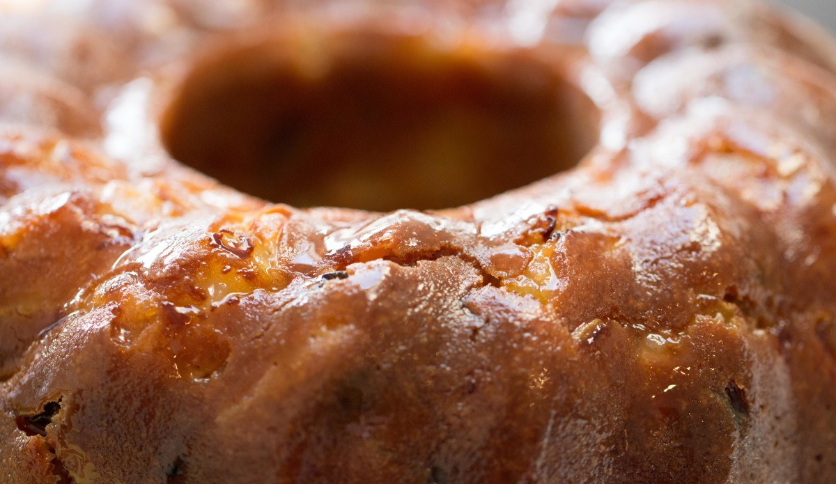 Apple rum bundt - my favourite! Although I love to bake, I have to restrict it to when friends drop around.