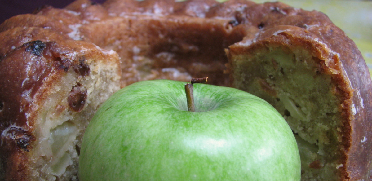 Fresh apple with the rum-glazed apple bundt cake.