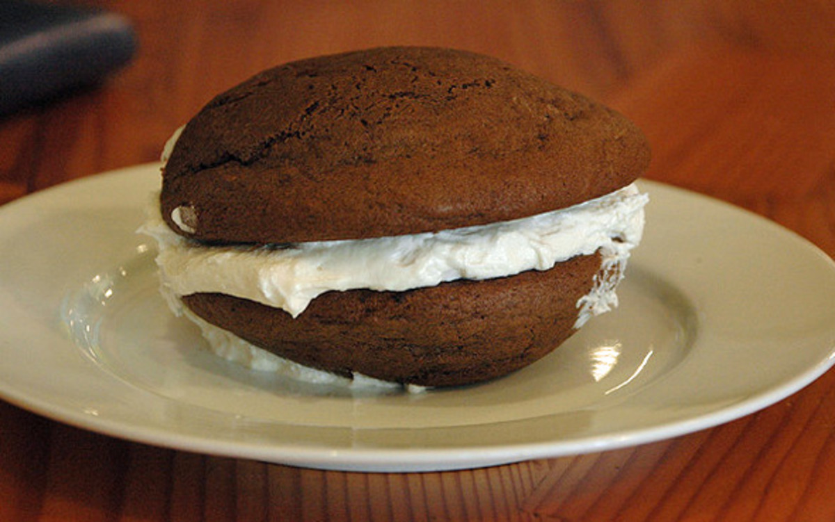 Classic whoopie pies - chocolate cakes with vanilla cream filing