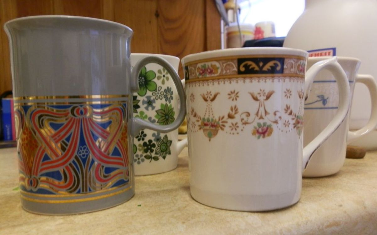 coffee mugs of various sizes
