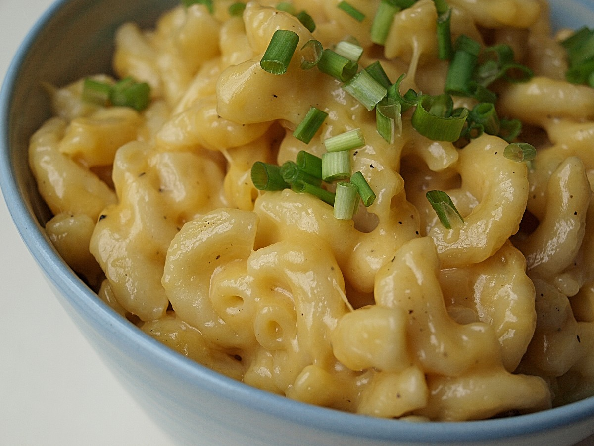 Pressure cooker mac and cheese with chives.