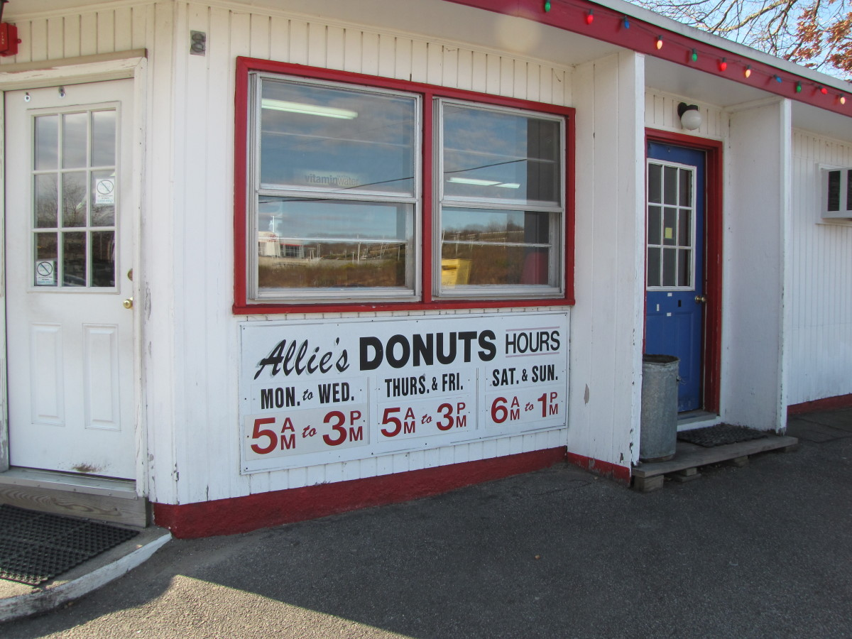 the-donut-cake-allies-donuts-north-kingston-rhode-island