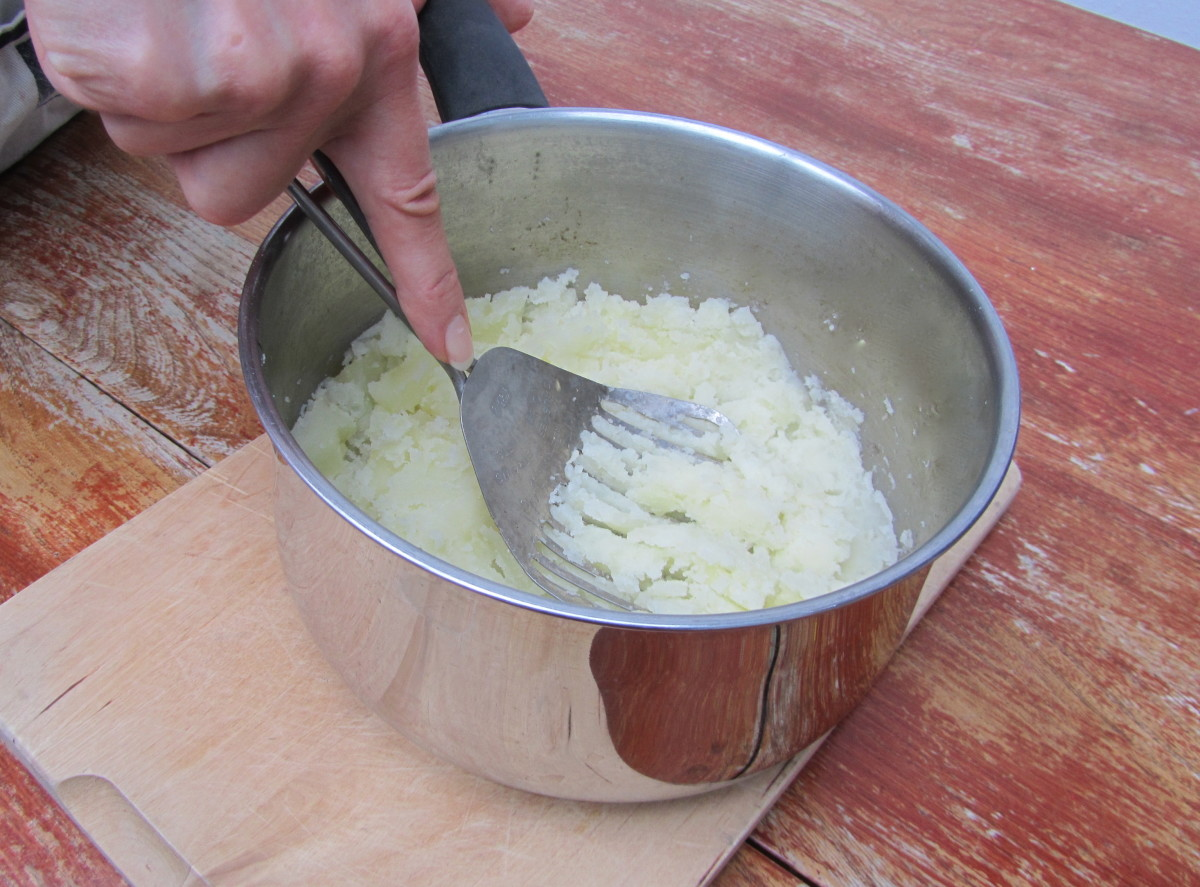 The Kitchamajig can mash vegetables such as potatoes.