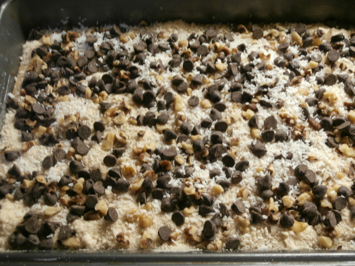 Sprinkle the chocolate chip mixture on top of the crumb mixture. Pop into the oven.