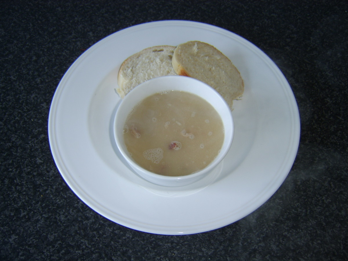 Navy bean and ham soup with fresh bread