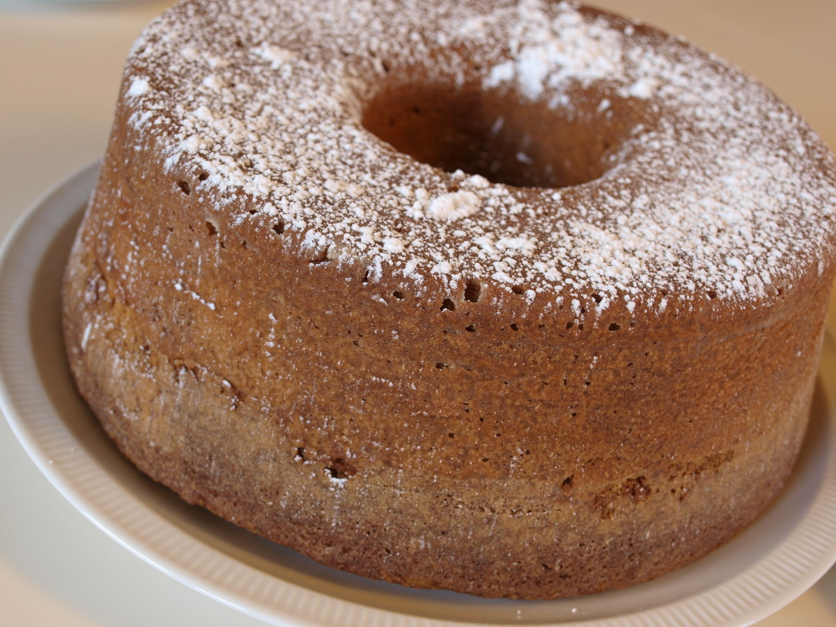 Peanut Butter Pound Cake dusted with powdered sugar.