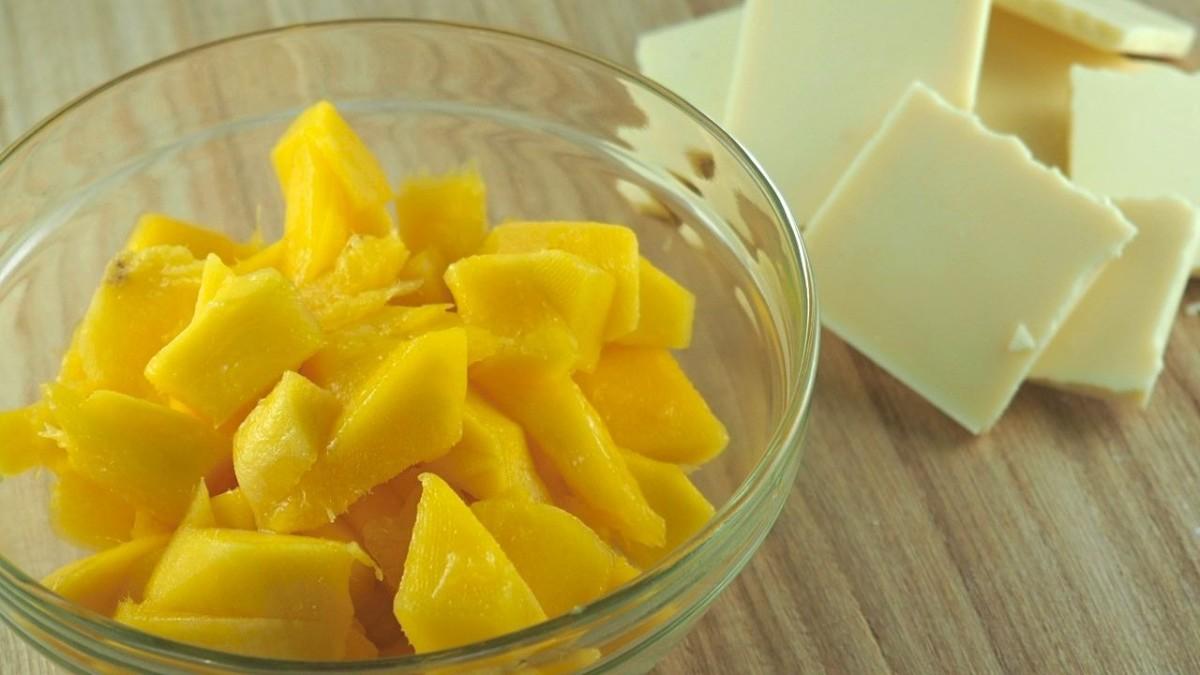 Ingredients for mango ganache macaron filling