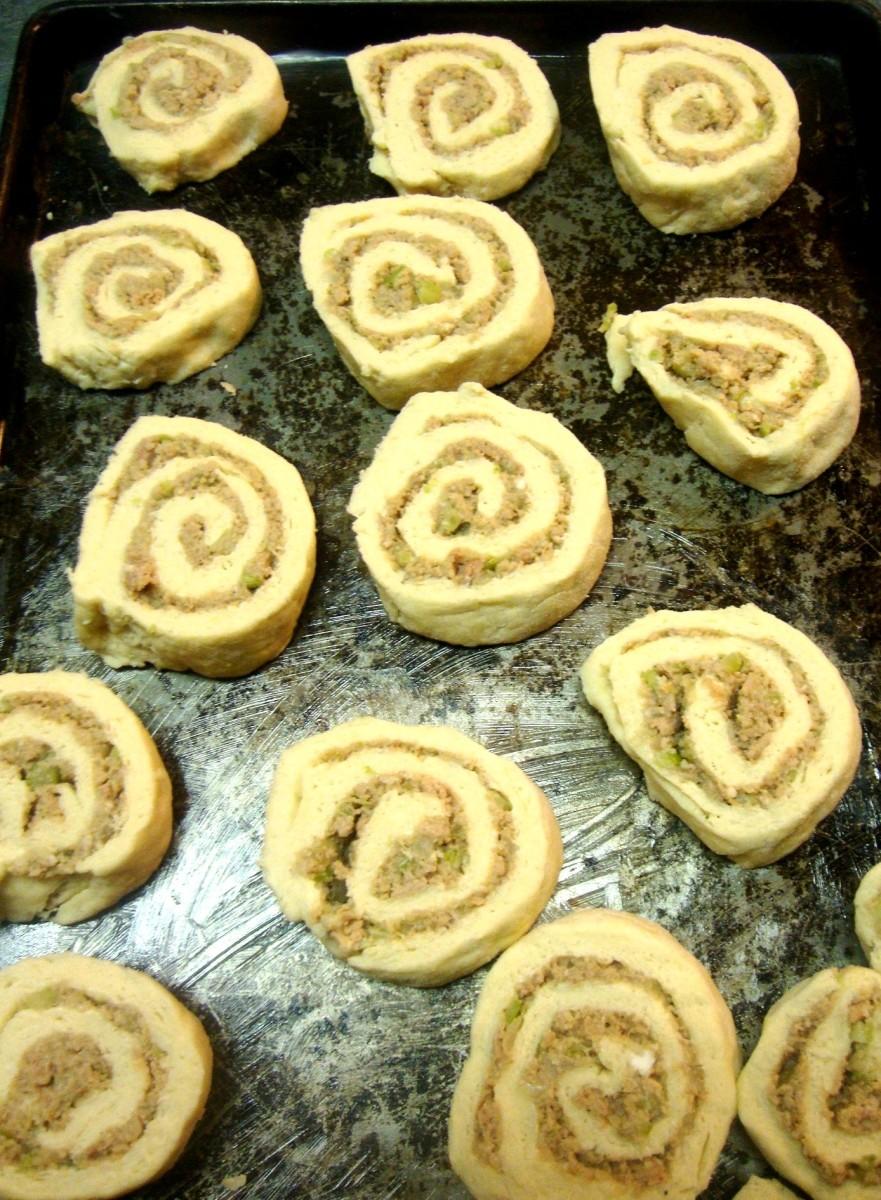 savory-turkey-filled-biscuit-spirals