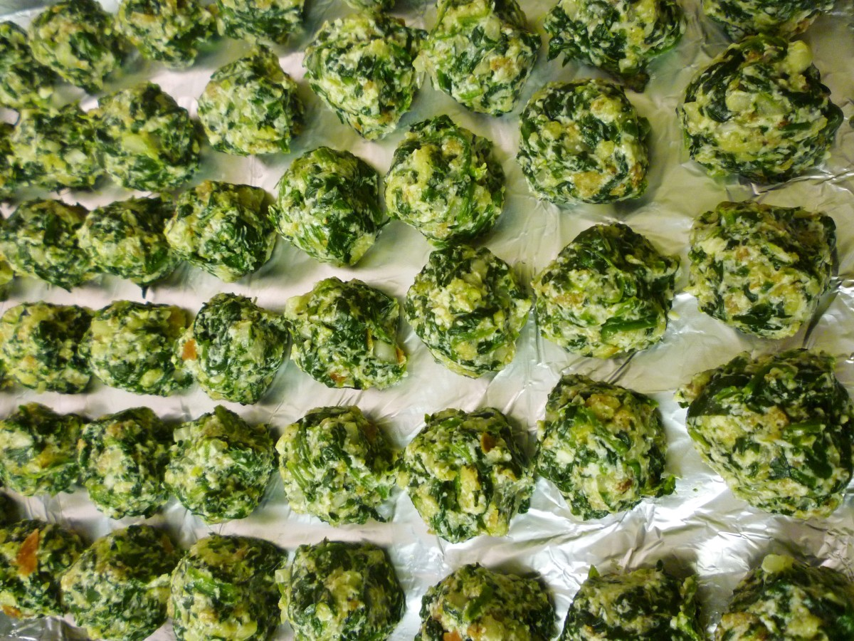 Place the spinach balls on a foil lined baking sheet.