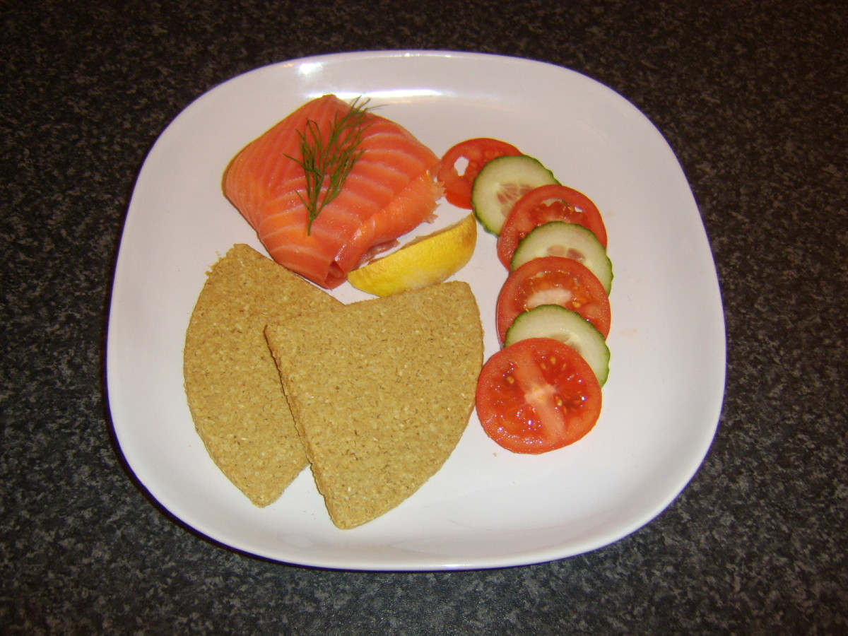 Smoked salmon and cream cheese cakes with Scottish oatcakes and salad