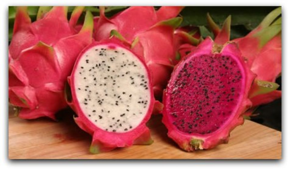 Dragon fruits (two varieties)