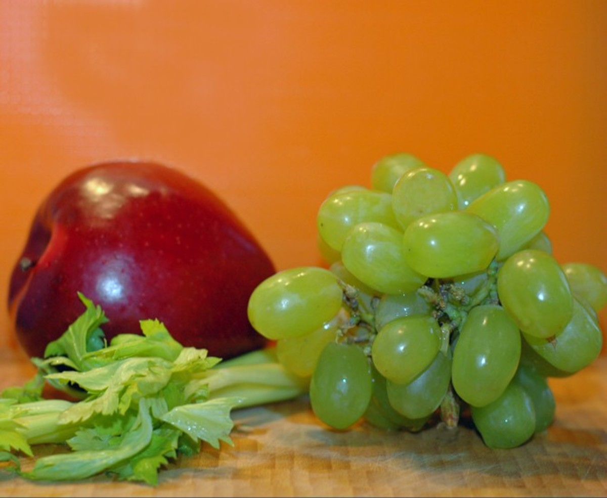 waldorf-salad-the-simple-sophisticated-fruit-salad-recipe