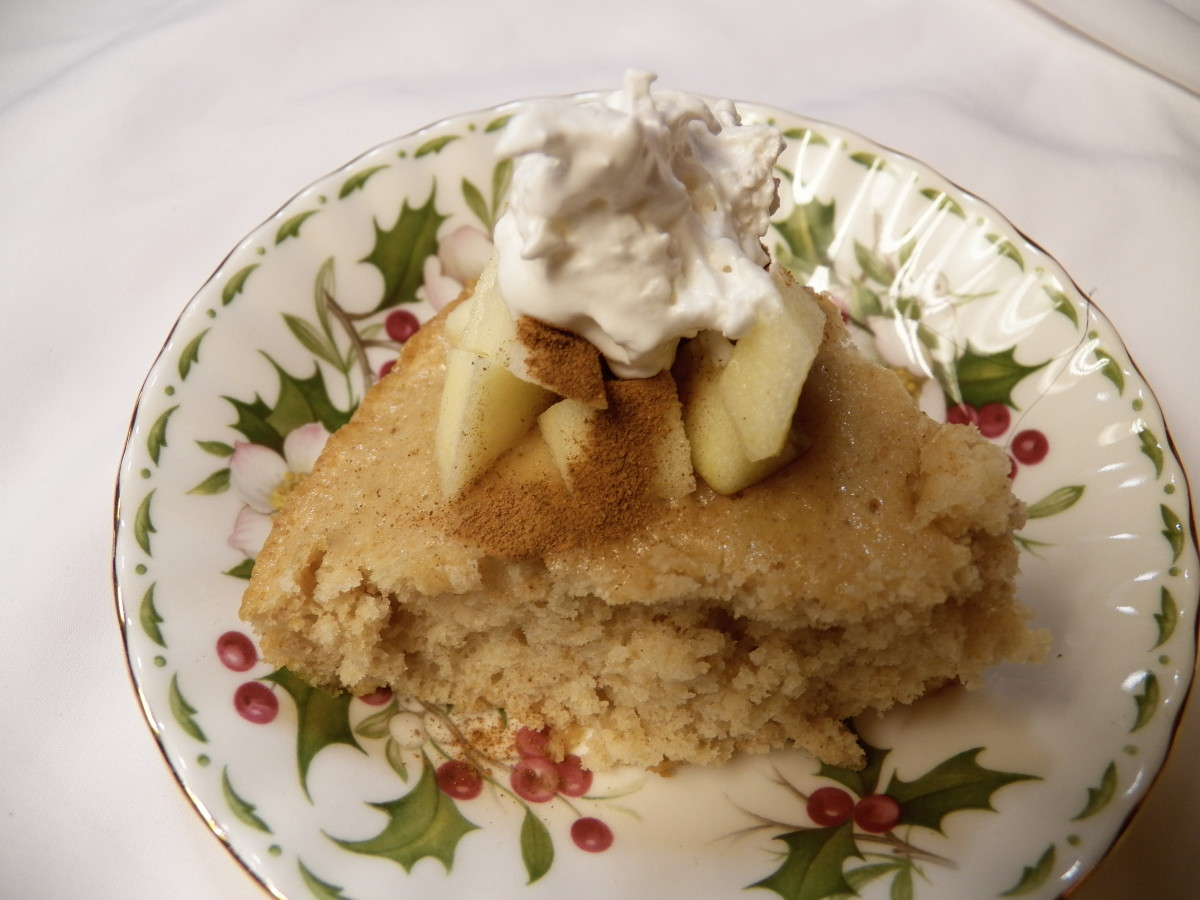 Sans Sucre Apple Coffeecake.  Add a few fresh apples, cinnamon and sugar free whipped cream to make an elegant dessert that is around 100 calories.