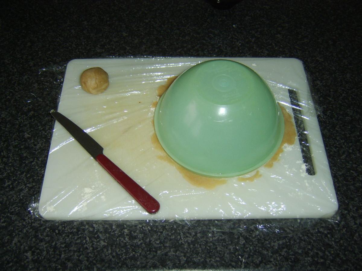 Cutting base for Scotch pie