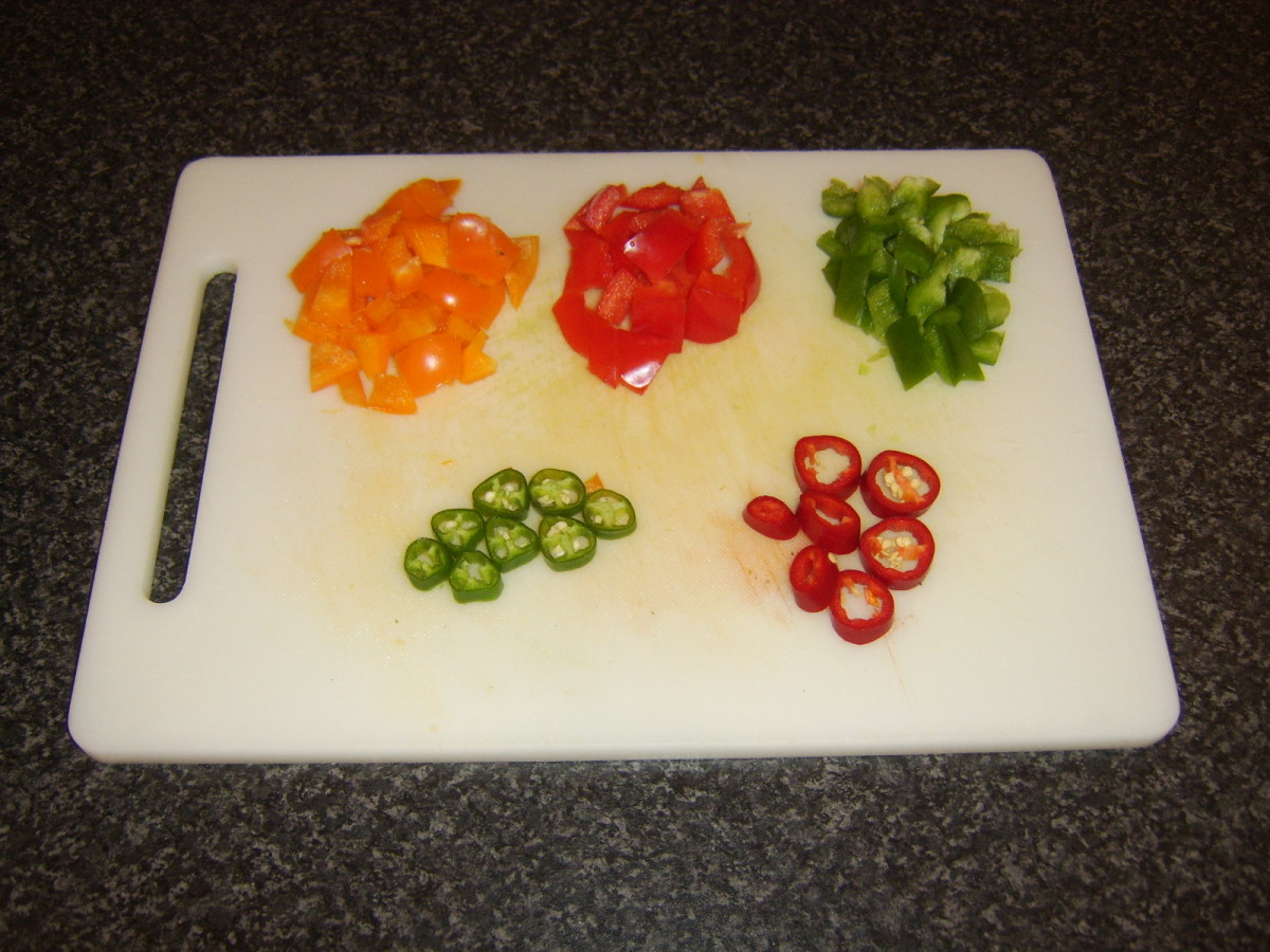 Sliced and chopped peppers for omelette