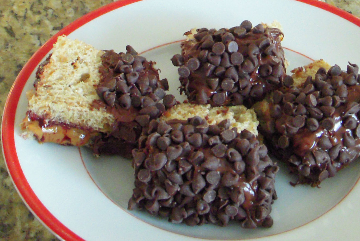Nutella, Peanut Butter, and Chocolate Chip Sandwich Recipe