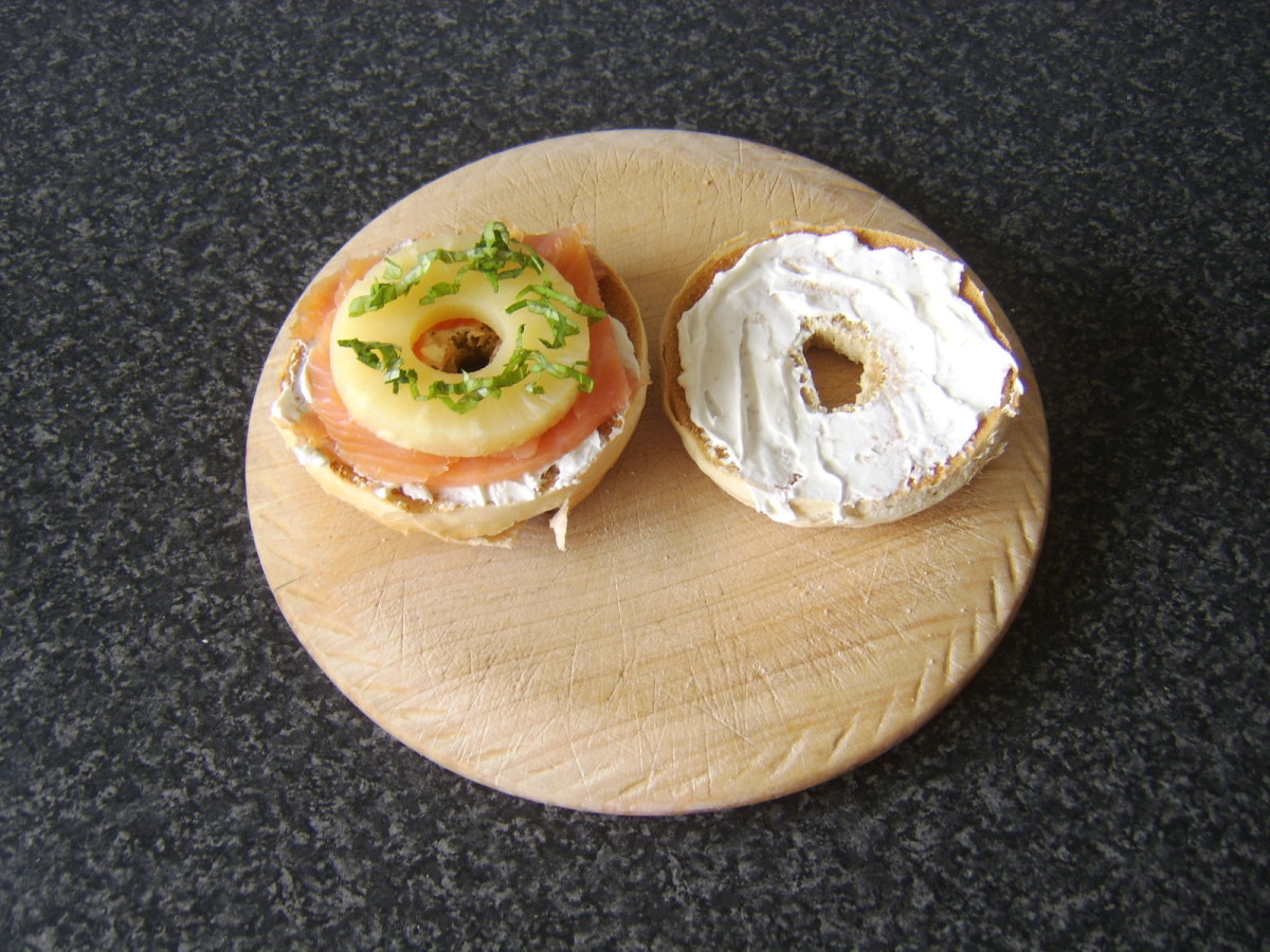 Smoked salmon, soft spreading cheese and pineapple form the basis of this very tasty bagel sandwich