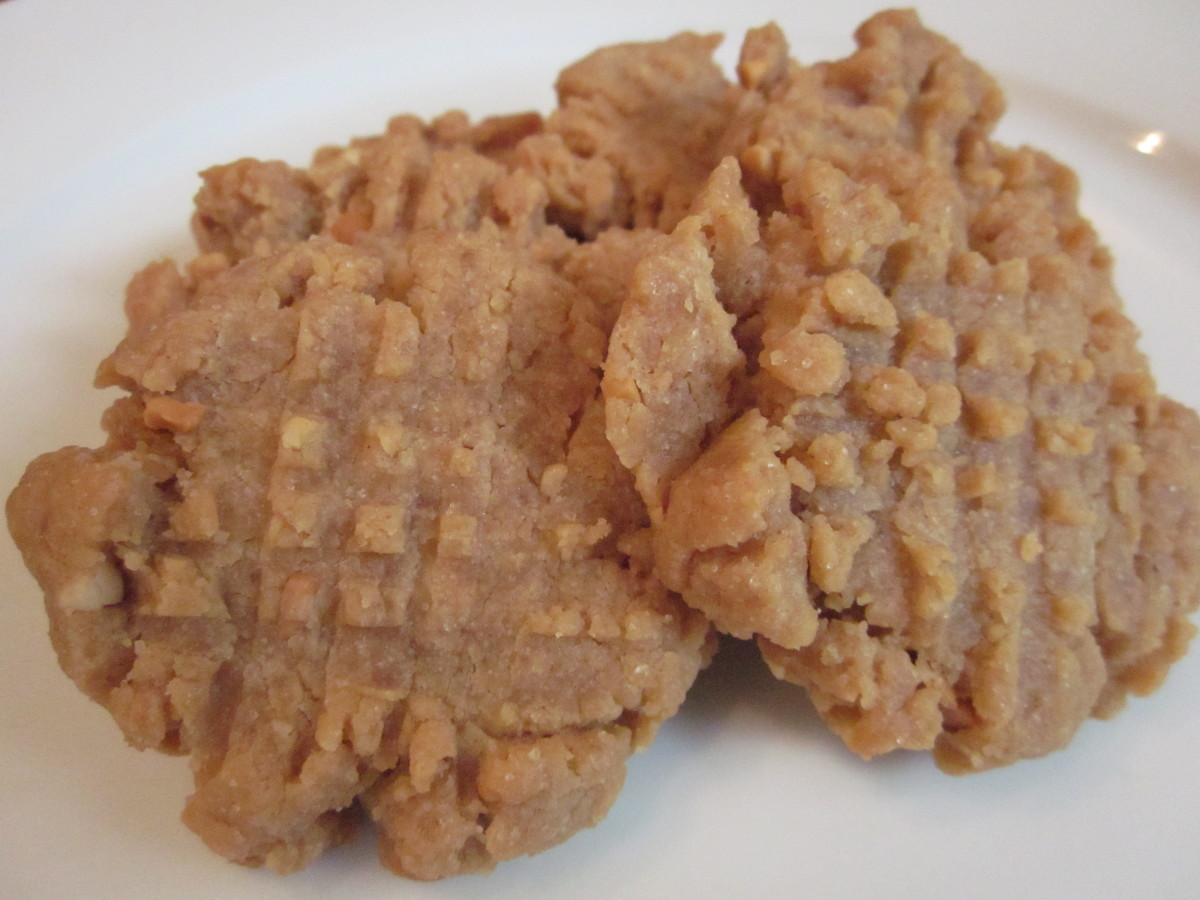 One may also use this recipe to make a traditional peanut butter cookie.