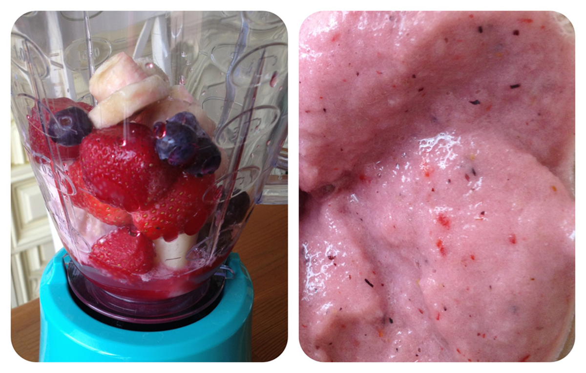 Banana and Berry Smoothie for Breakfast
