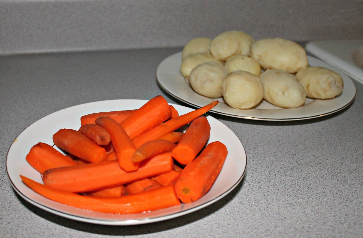 Peeled vegetables are ready to get shredded.