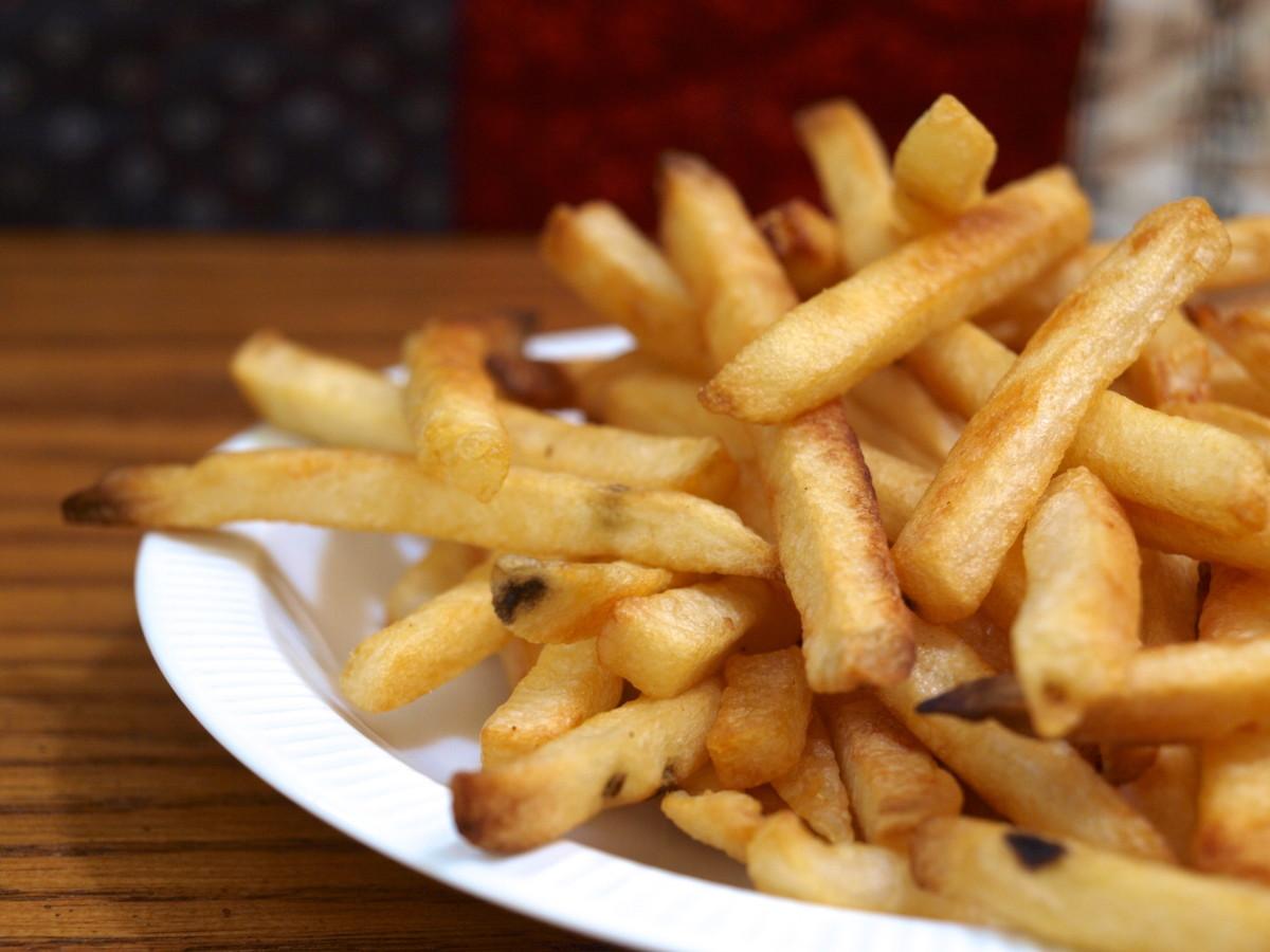 Pile those fries high!