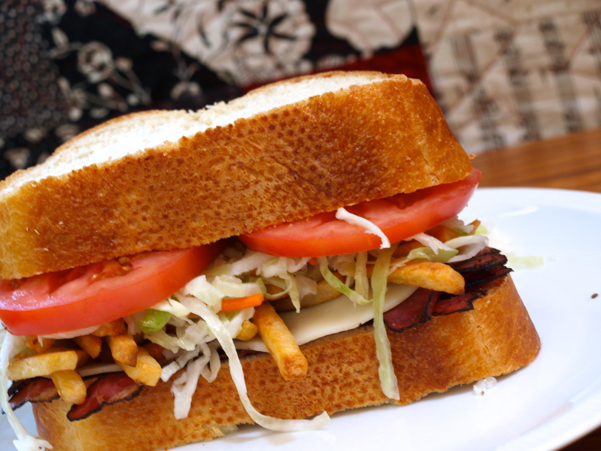A delicious Pittsburgh style sandwich.