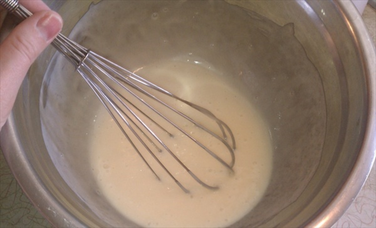 Combine mayo with sugar and vinegar, and whisk until the sugar is completely dissolved.