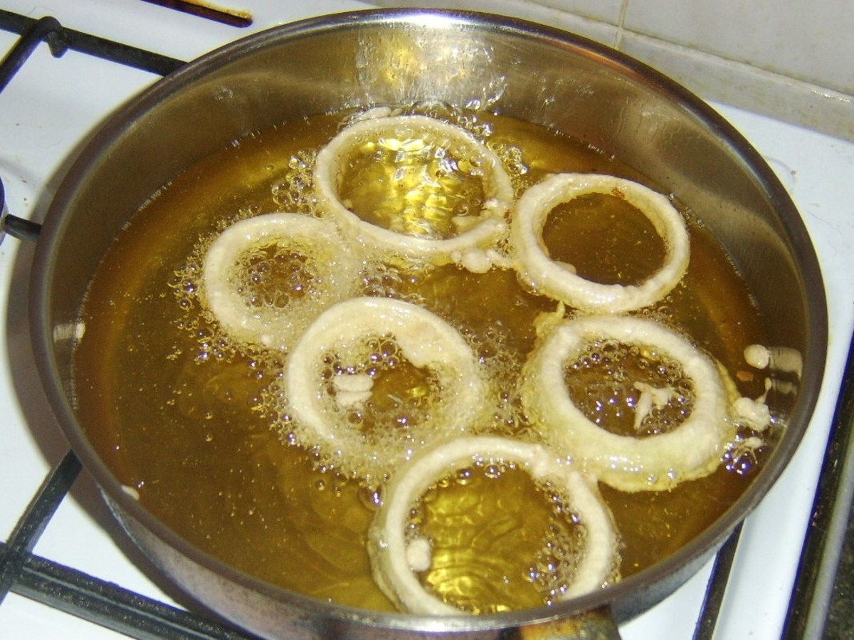 Deep frying onion rings