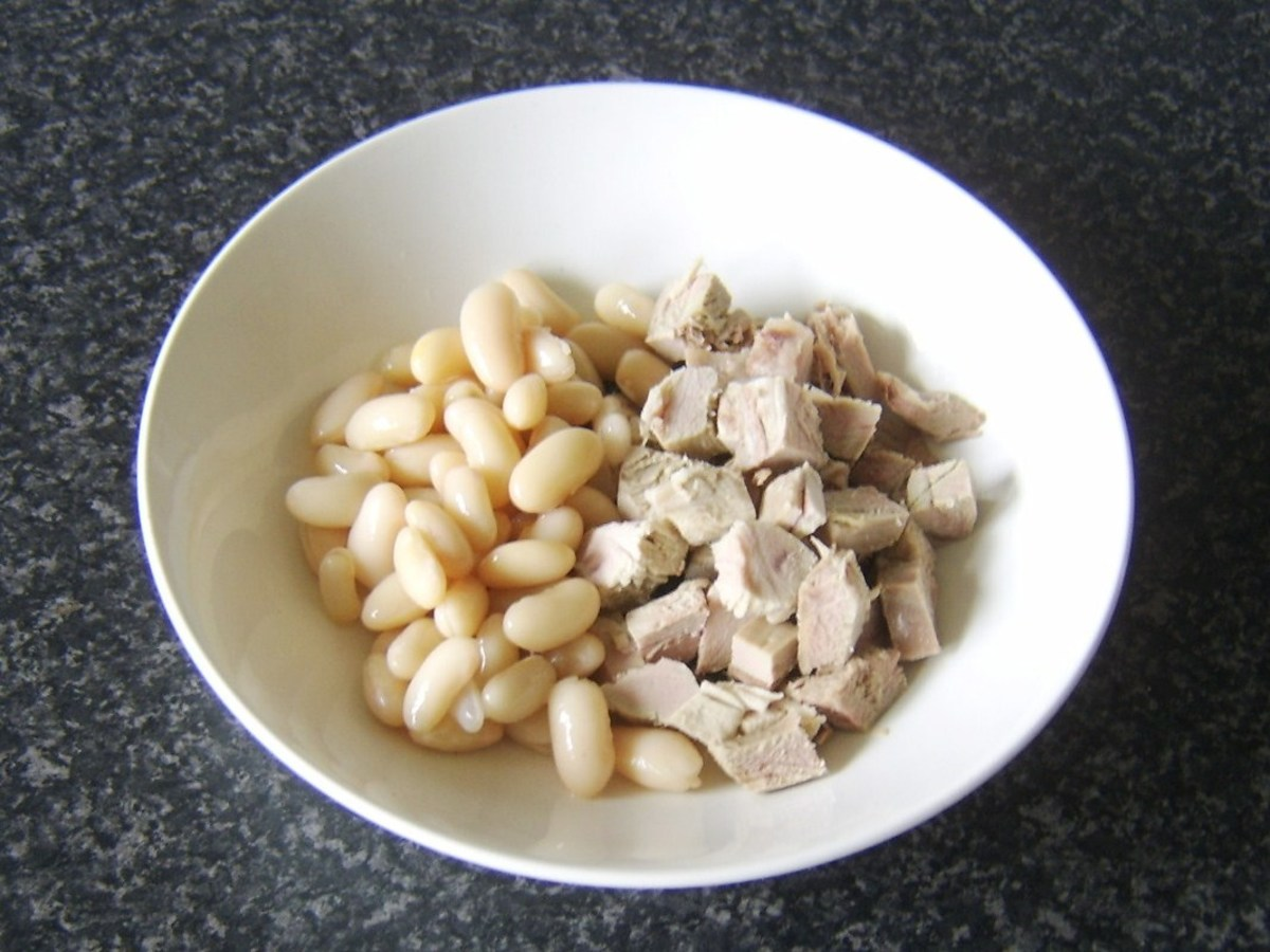 Cannellini beans and diced turkey thigh