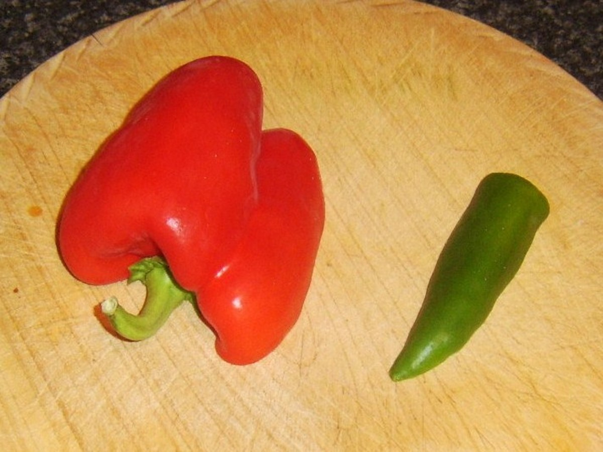 Red bell pepper and green chilli pepper for rice