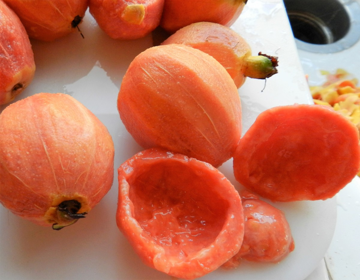 Peeled Guavas Can Be Pureed and Added to Nectar