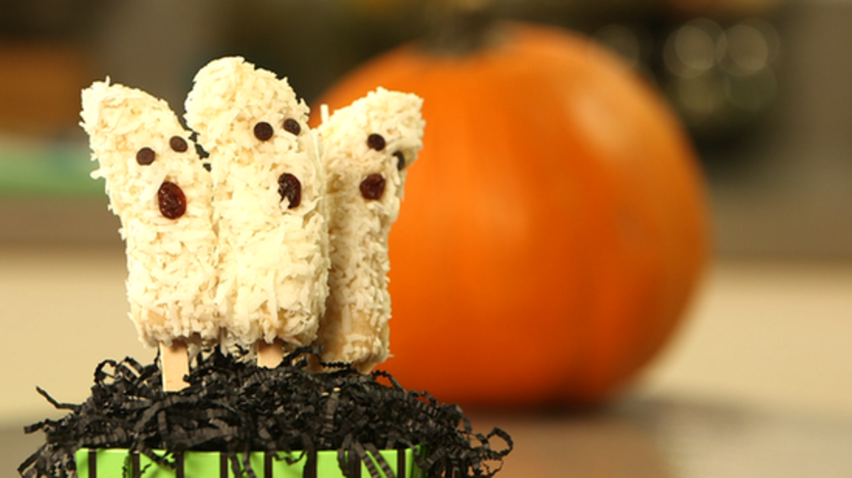 Fun and Easy Halloween Treats to Make With Your Kids