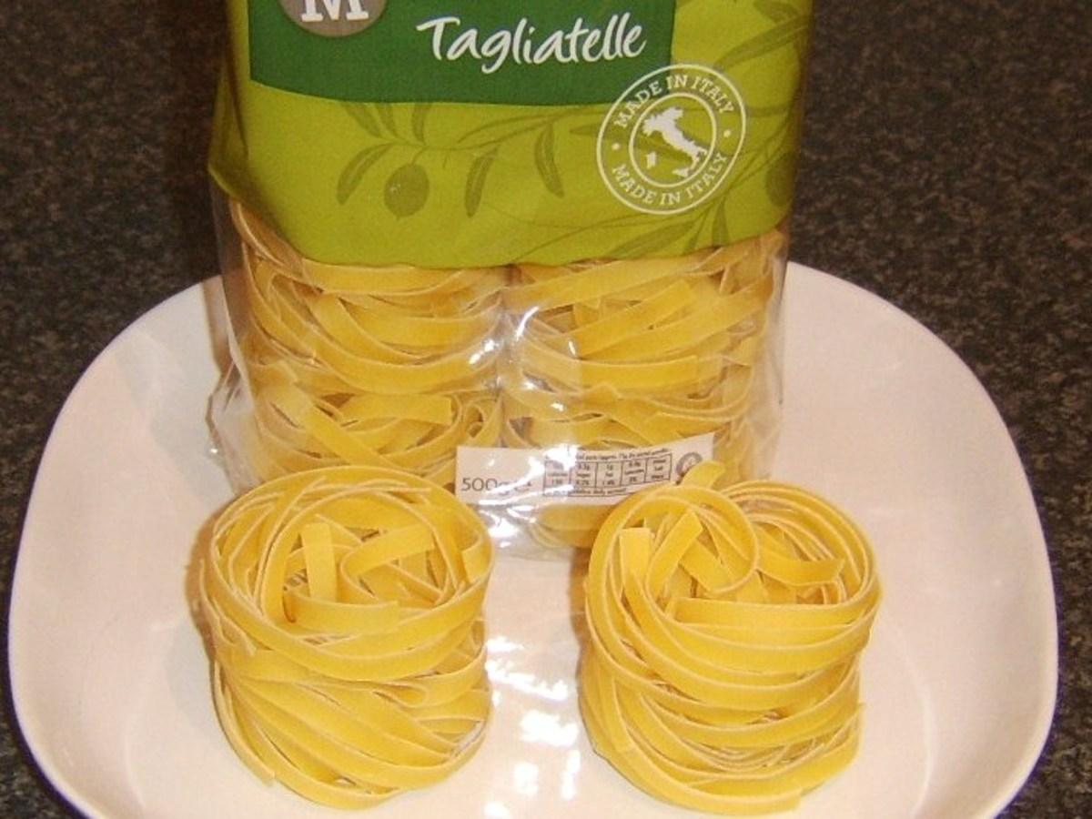 Dried tagliatelle pasta